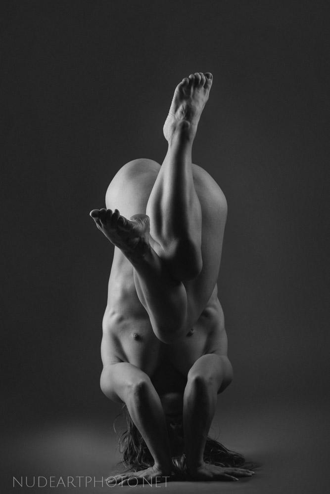 nude art yoga